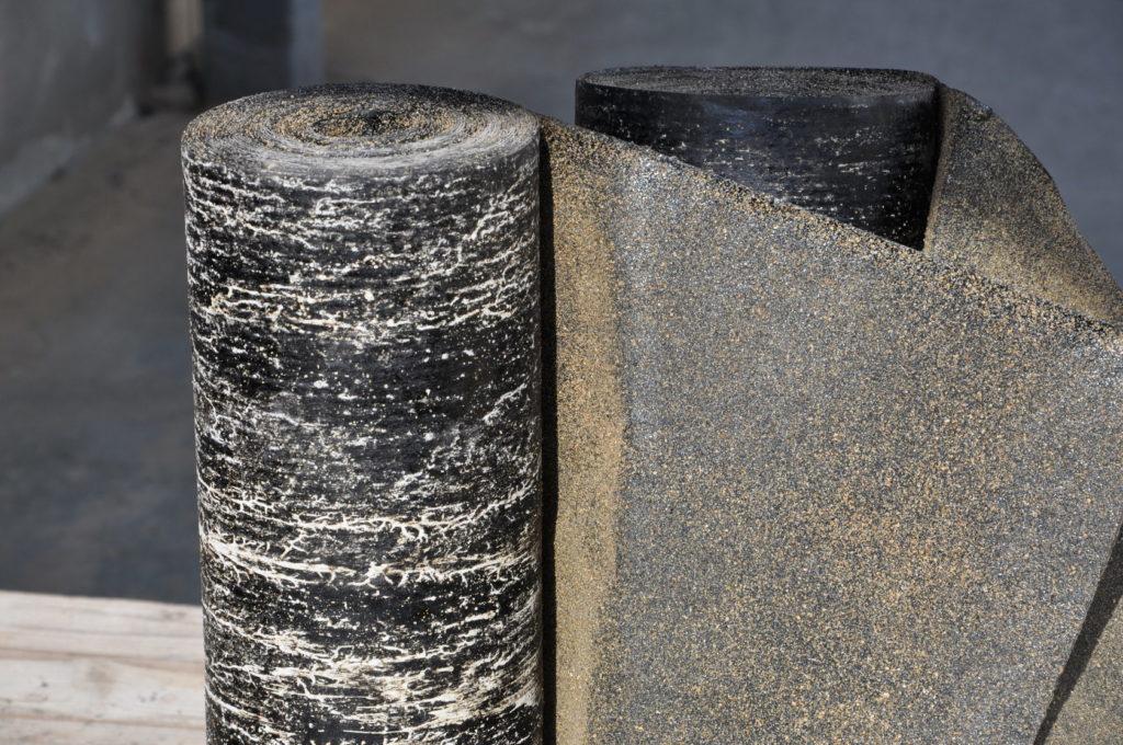 Рулон строительного рубероида